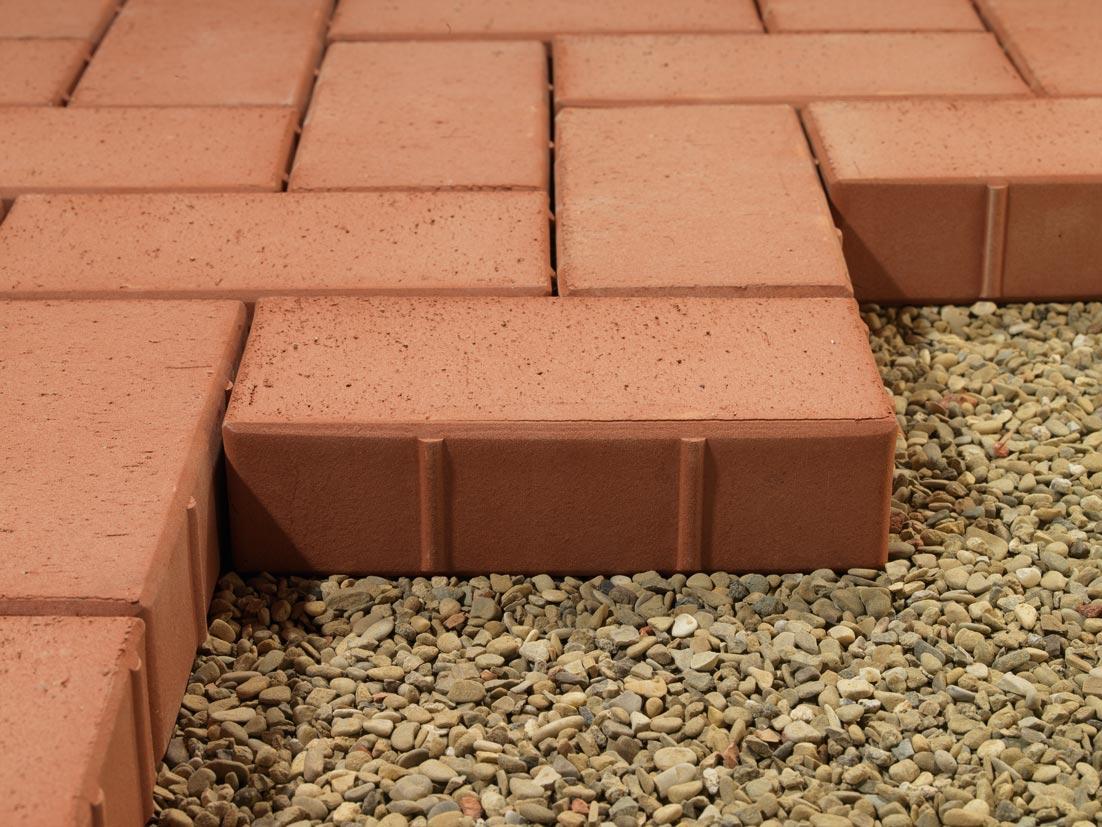 Posa Pavimento A Secco Giardino pavimentazioni esterne | redaelli scavi